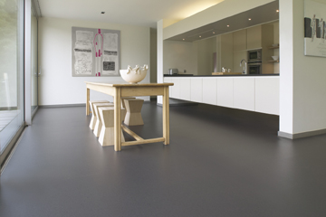 Colours with a human touch gevloerd in kleur marmoleum piano